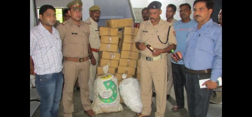 smugglers arrested with liquor