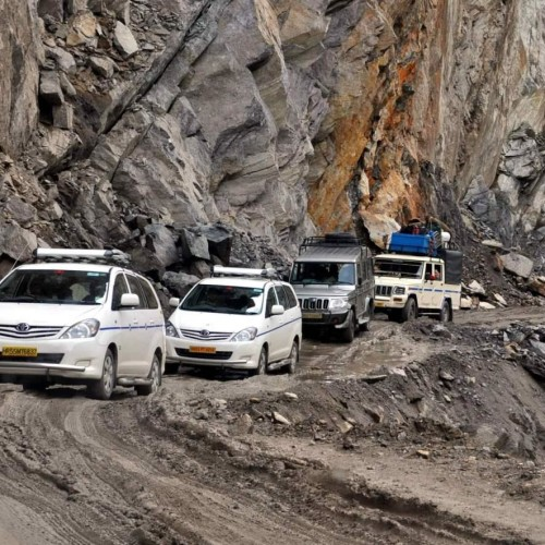 be carefull in badrinath highway