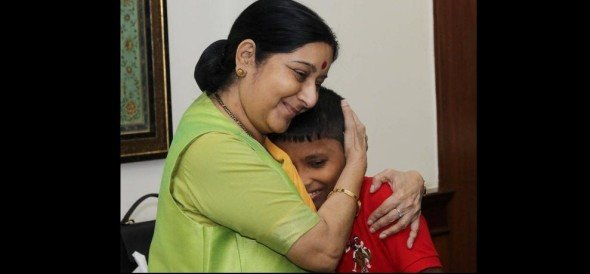 delhi boy sonu who was abducted 6 years ago, returns to his family from bangladesh