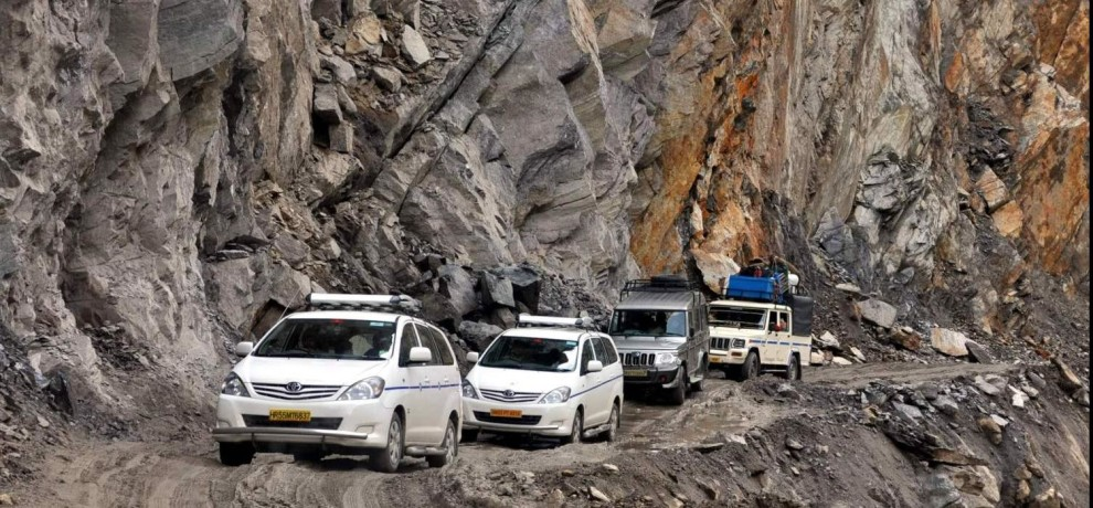 danger zone of badrinath highway