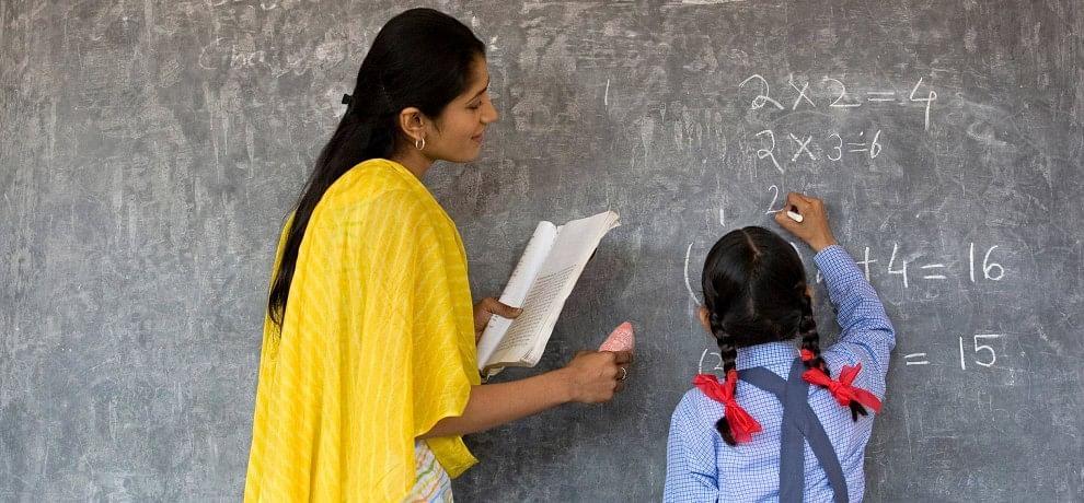 यूपी: 5.85 लाख बेसिक शिक्षकों के लिए ट्रांसफर पॉलिसी अगले हफ्ते