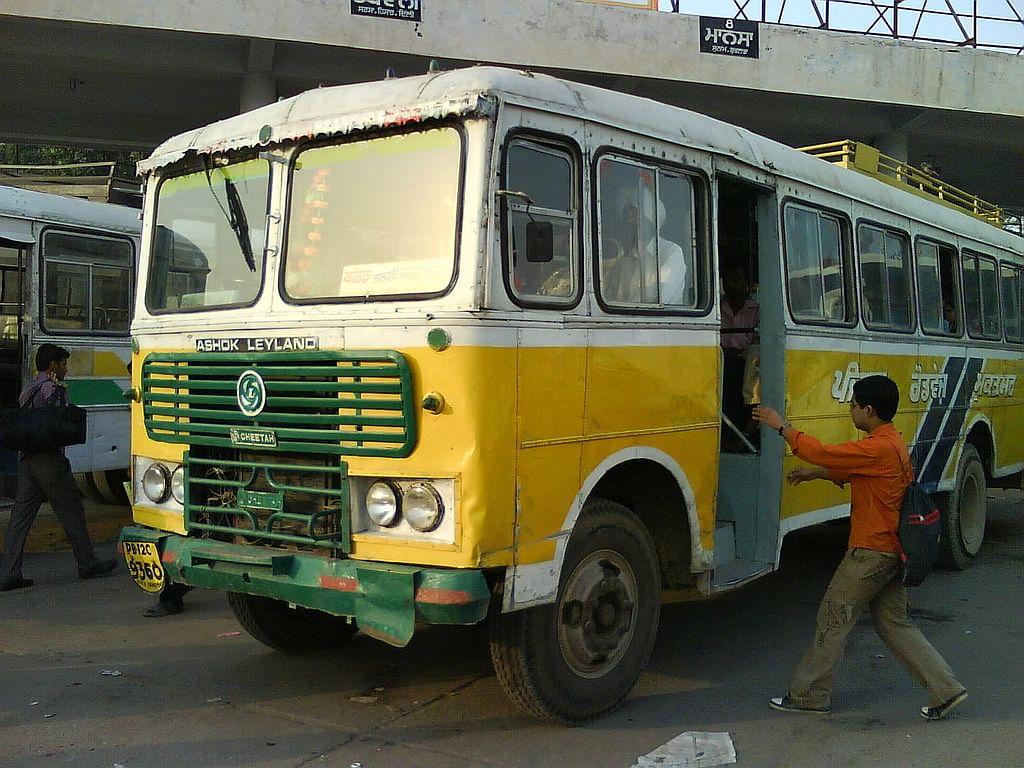 पंजाब में रोडवेज का चक्का जाम: थमेंगे 2000 बसों के पहिए, अनिश्चितकालीन हड़ताल पर कच्चे कर्मचारी