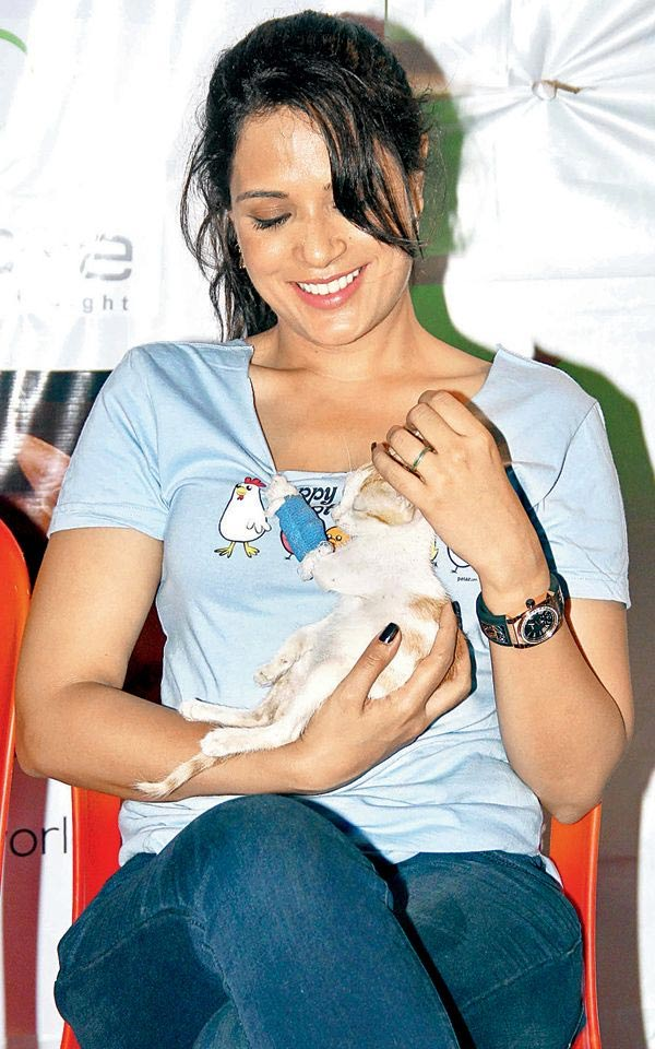 Richa chaddha faces trouble for her pet