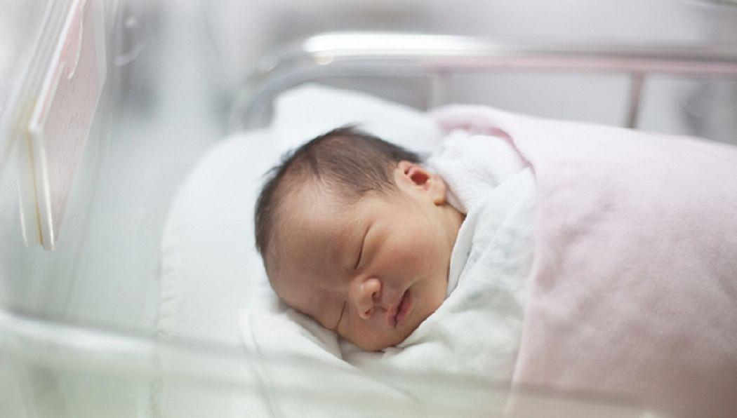नवजात शिशु का नाम रखने से पहले ध्यान रखें ये बातें (प्रतीकात्मक चित्र)