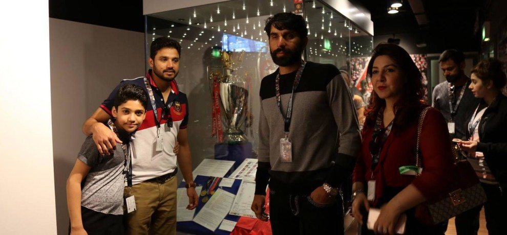 Pakistan Cricket Team Visits Manchester United Club with their Wives