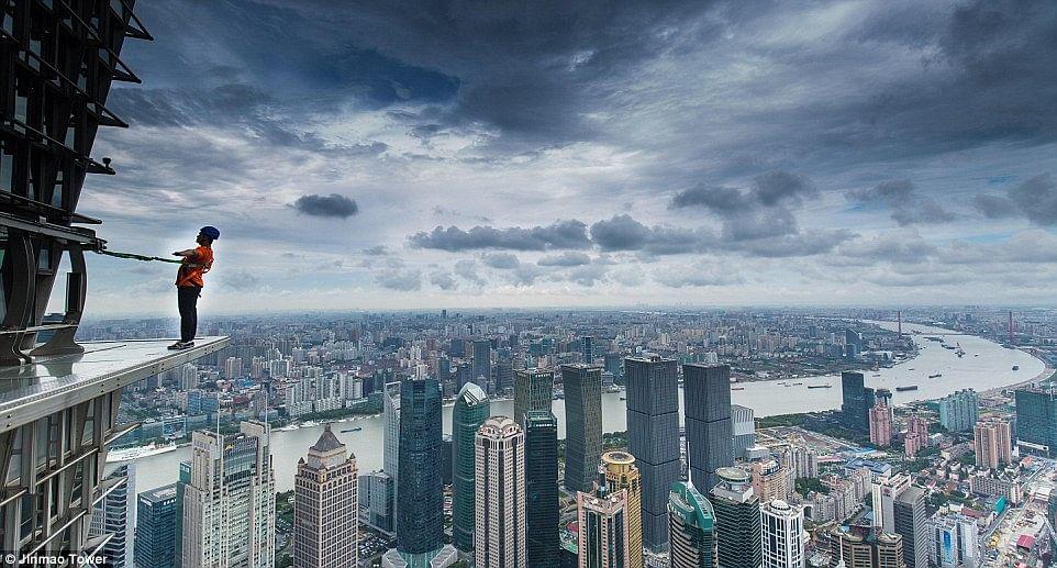Terrifying Skywalk Opens Outside Shanghai S Jin Mao Tower