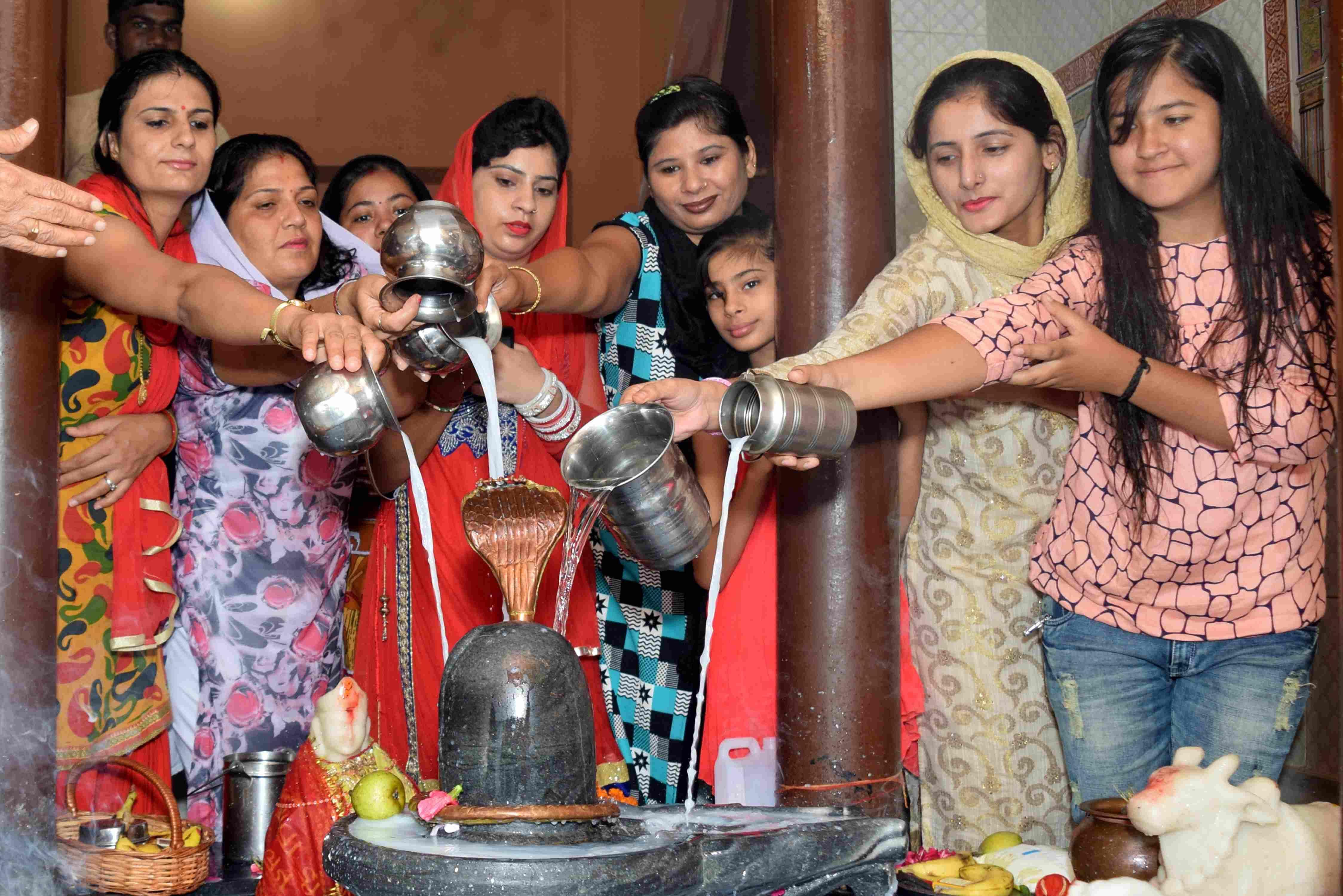 Sawan, Shivratri, Shiv Puja, Shivratri, Gangajal, Rohtak, Haryana ...