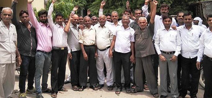एडीजे कोर्ट के लिए वकीलों ने की हड़ताल - अमर उजाला (प्रेस विज्ञप्ति) (ब्लॉग)