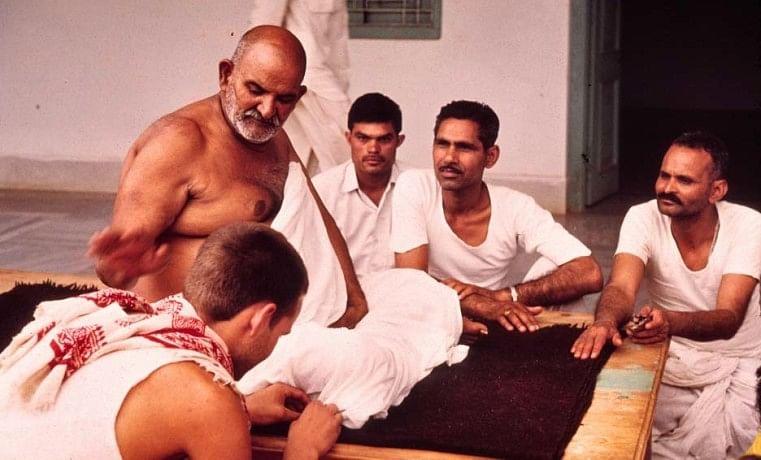 hanuman avatar baba neem karoli maharaj.