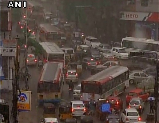 Some pictures of heavy rain in Delhi Ncr