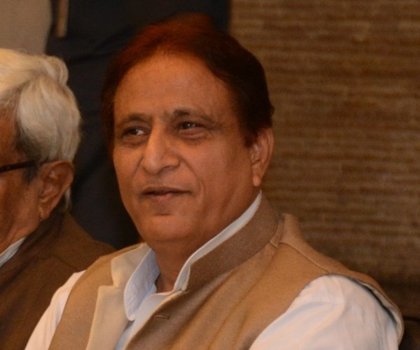 warrant issued against azam khan.