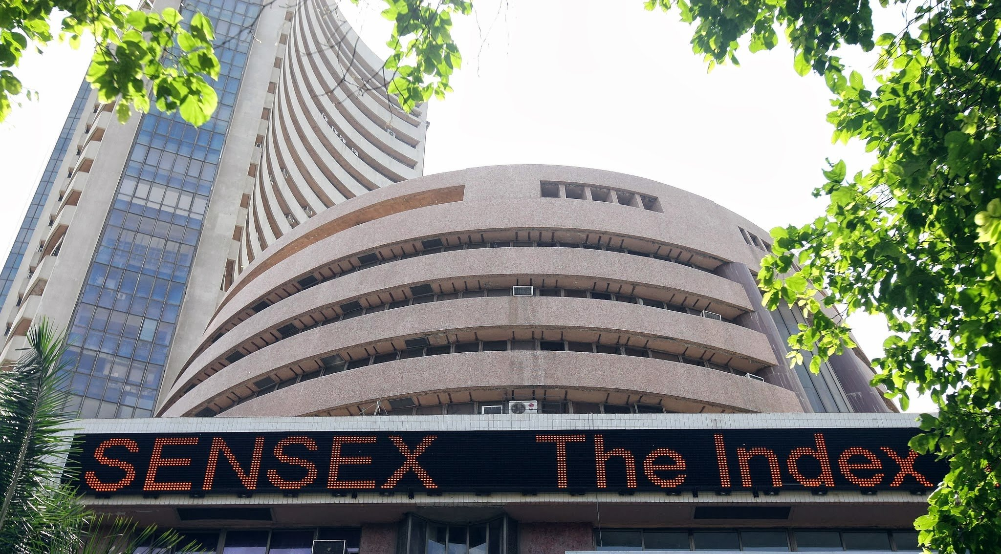 sensex and nifty opens with good hike but rupee down against dollar