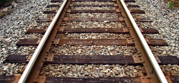 two person killed due to goods train hit himt at sonebhadra