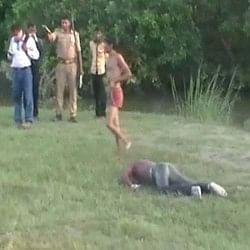 झकझोर देगी पुलिस की संवेदनहीनता, रस्सी से बांधकर घसीटी युवक की लाश