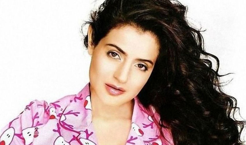 Ameesha Papael Ka Saxy Nangi Photo: Amisha Patel Shares Her Photo In Bathroom
