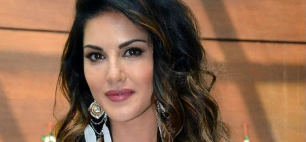 Republican Party of India ladies wing object against Sunny Leone's condom ad, protest warned