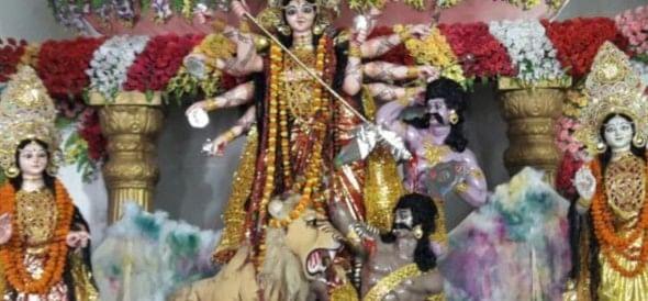 Jaykare in pandals, overflow crowd of devotees engaged