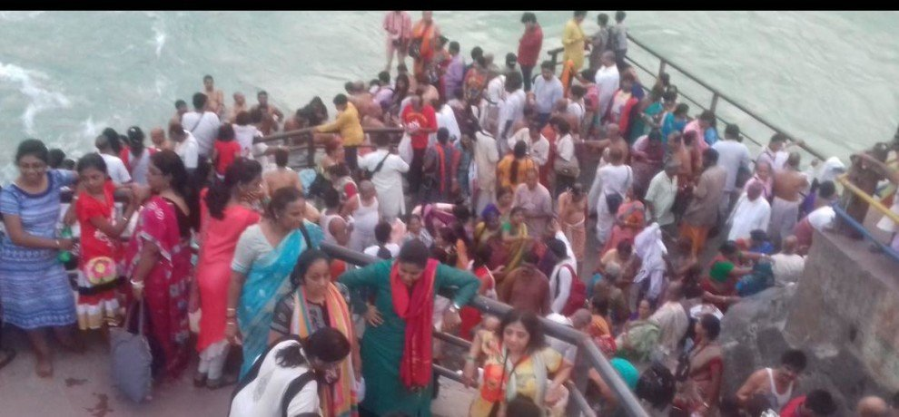 Kartik month and ganga snan is very special in kashi
