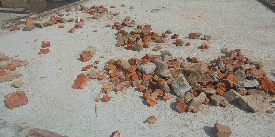 stone pelting in agra after fight between two groups