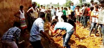 buried in the soil collapsed nine teens, four dead