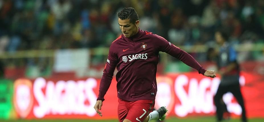 Footballer Cristiano Ronaldo earns Rs 7.6 crore in half-day
