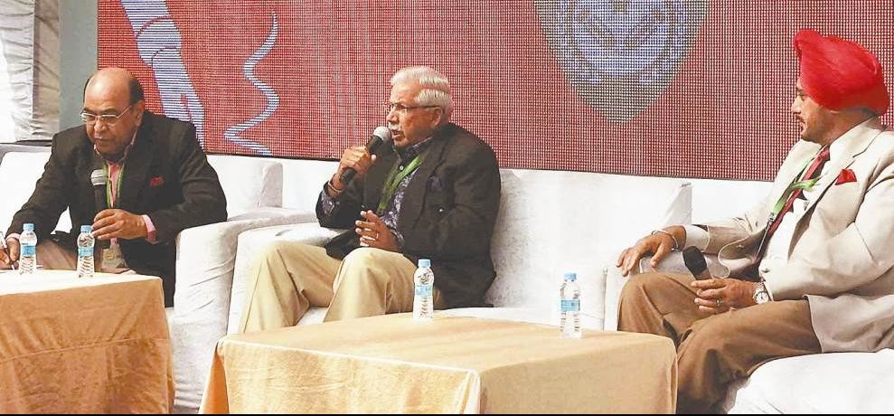 Discussion in khushwant singh litfest on kargil war