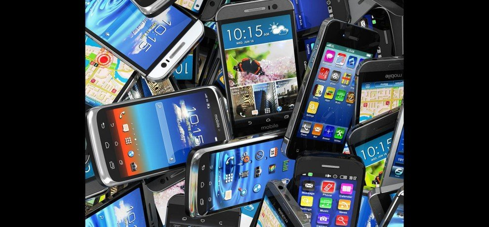 Smartphones Available At Discounts Online