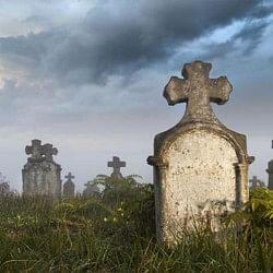 मरकर भी जिंदा है वो लड़की, कब्र से आती है आज भी खुशबू