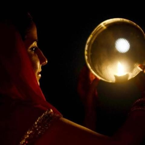Do not do these things before chandra darshan on karva chauth 2017