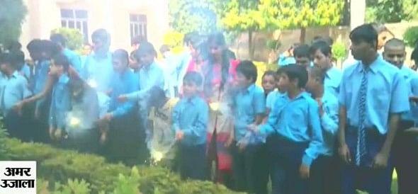 आंसू नहीं मोती हैं ये... दीपावली पर जगमग बच्चे
