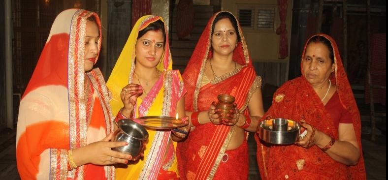 karvachauth celebration in mathura