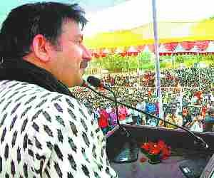 Manoj Tiwari promised a mini stadium