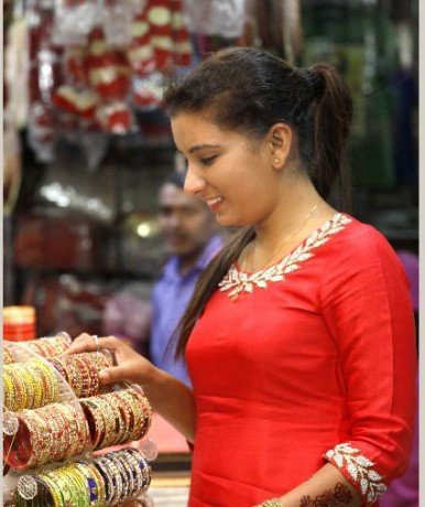 crowed on Karvachauth