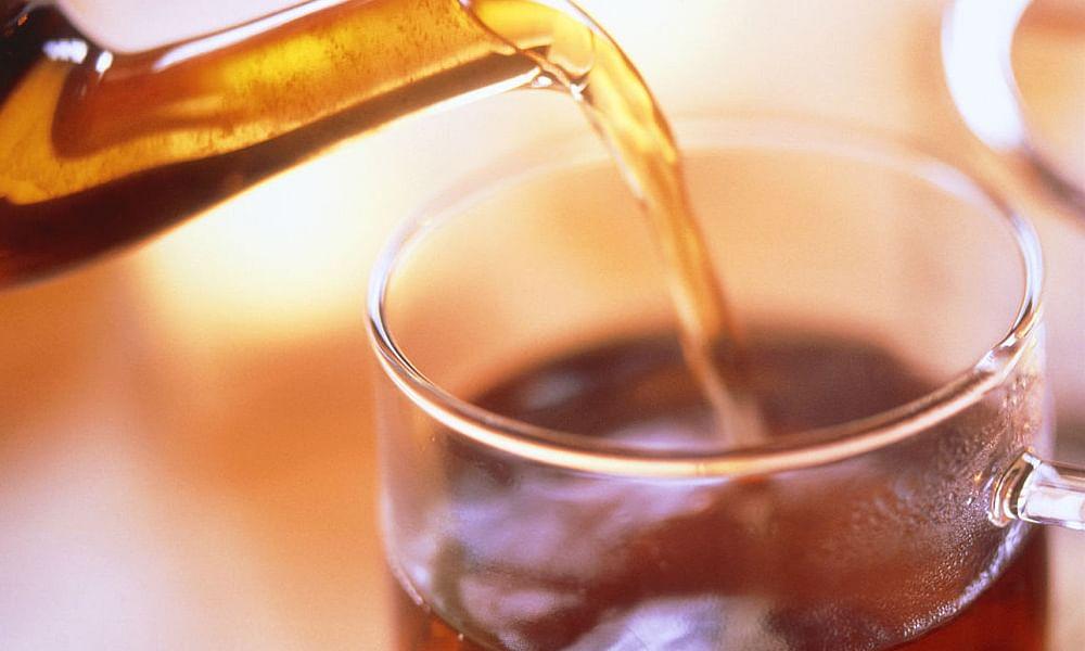 Benefits Of Black Tea - बढ़ती उम्र में काली चाय बचाती है झुर्रियों और दाग धब्बों से - Amar Ujala Hindi News Live