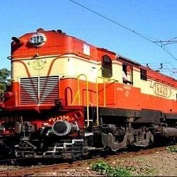 टिकट कन्फर्म से सामान के बीमा तक, रेलवे ने किए Happy करने वाले ये बदलाव