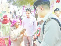 police, man, asking, jind