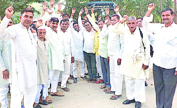 Assembly Gerenge village head, leaving Lucknow