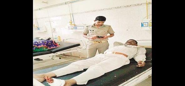 Kannauj threw stones at the police team