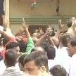 clash between sp supporters on lucknow
