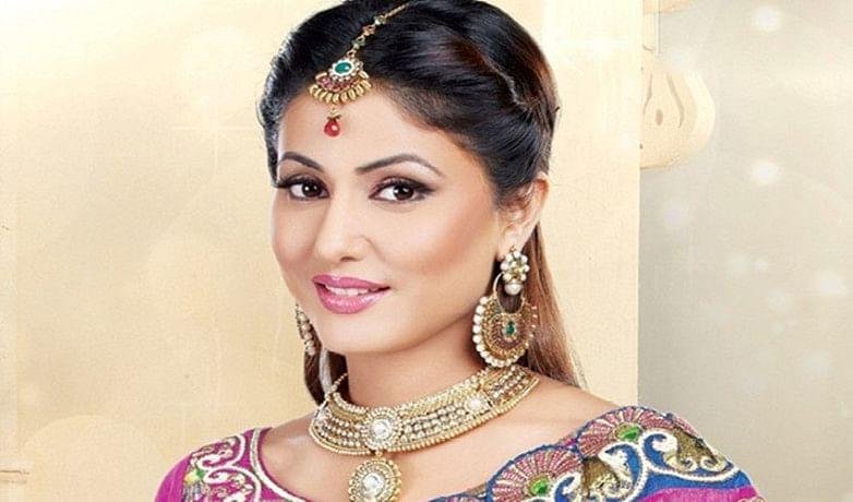 hina khan suffers from dengue