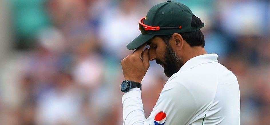 Pakistan Just 6 Wickets away from 2-0 in Test Series