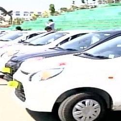 कहीं देखी है ऐसी किस्मत, दिवाली बोनस में मिली कार और घर
