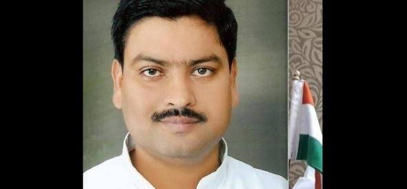 pawan pandey expelled from sp