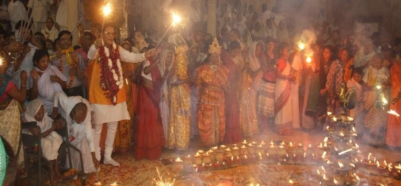 widows of vrindavan celebrating deepawali