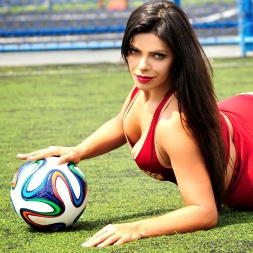 Hot Photoshot of Miss Bum Bum For FIFA 2018