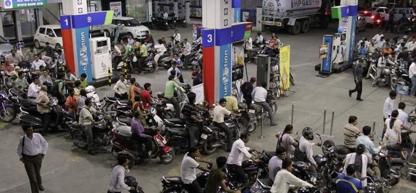 diesel prices breaks 2002 record in delhi, petrol costliest in mumbai