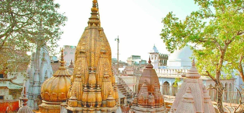 jaunpur city SP break the security rule at vishwnath temple