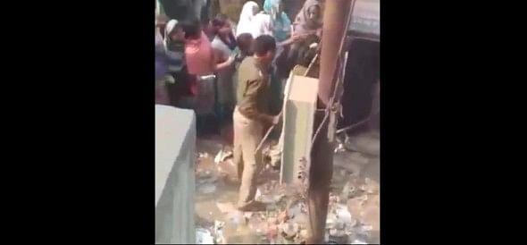 People beaten NH workers