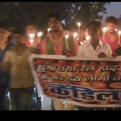 candle march for dead people in train accident