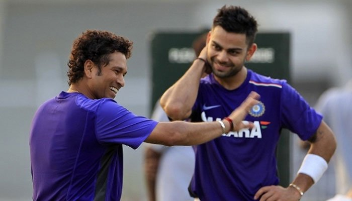 what happened when god of cricket sachin offers drink to kohli